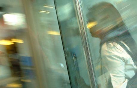 תיקון דלתות זכוכית לעסקים